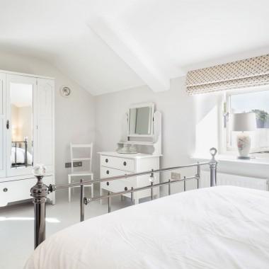 Otters retreat bedroom 2